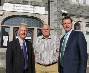 Meirion Jones, Trefor Lloyd Hughes & Rhun ap Iorwerth - Llys Ynadon Caergybi / Holyhead Magistrates' Court
